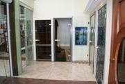 Стеклянные двери и перегородки