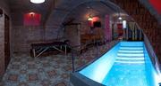 Гарячая сауна с бассейном и массажем в Одессе