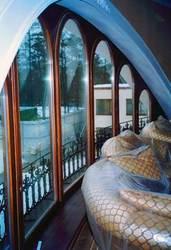 Деревянные окна,  двери.