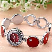 женские кварцевые часы-браслет Fashion Kristall