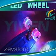 Скейт Пенни со светящимися колесами