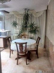 Продам 3-х комнатную квартиру на ул. Моловского