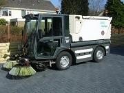 Предоставляем услуги по механизированной,  вакуумной уборке дорог и т.д
