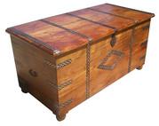 Оригинальный деревянный сундук