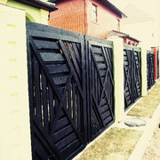 Модерновый забор из массива сосны
