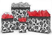 Упаковщица подарков в Сады Победы